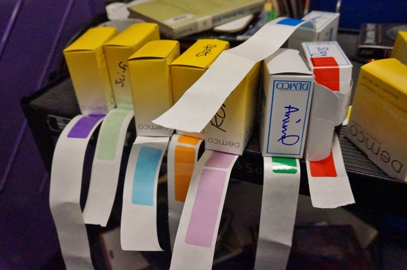labels 002